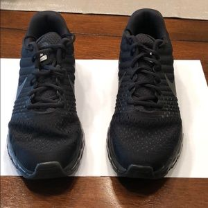 Men's all black Nike Air Max 2017's.